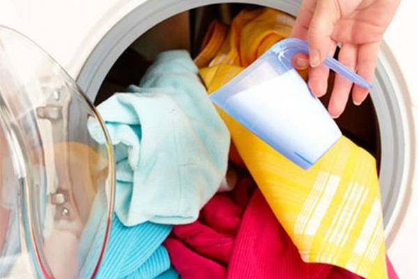 Загрузить стиральную машину