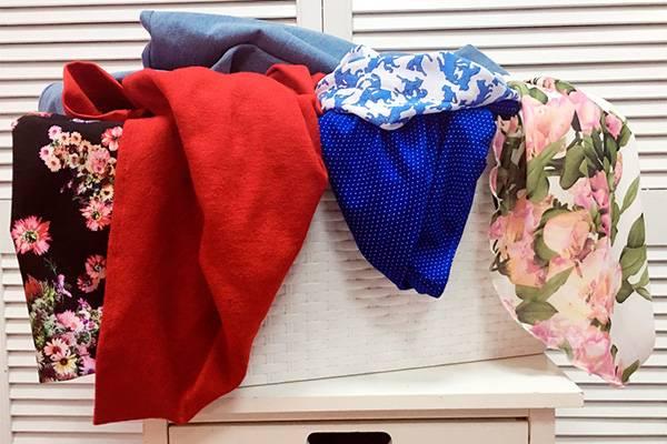 Одежда в корзине