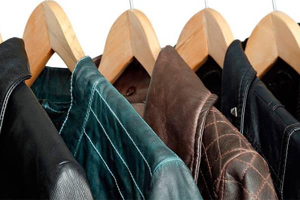 Шкаф с верхней одеждой