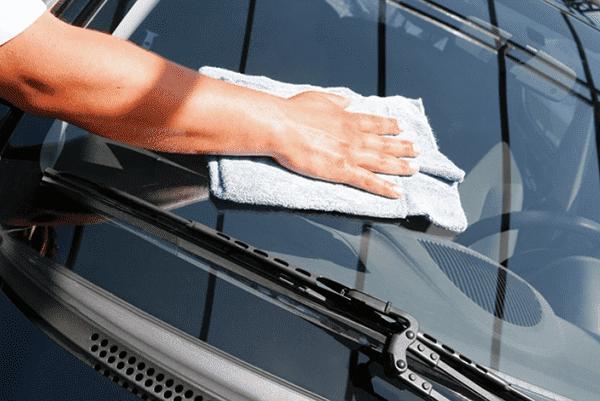 мыть стекло авто