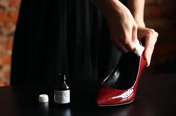 Растянуть ботинки
