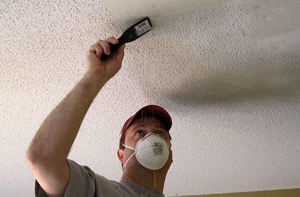 смыть побелку с потолка