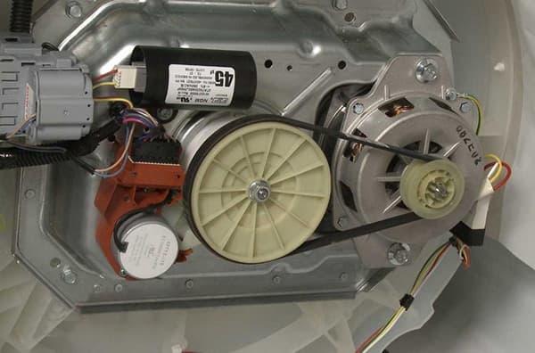 Мотор и ремень
