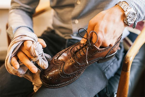 средства ухода за кожаной обувью