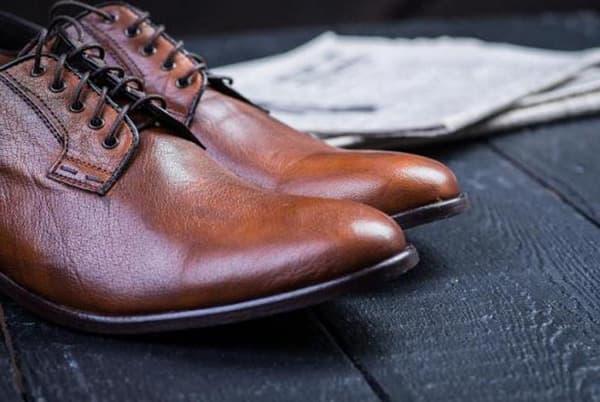 как помыть кожаную обувь